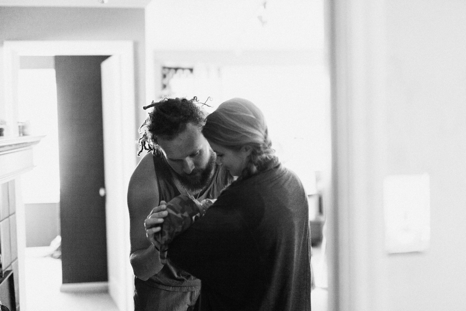 intimate-in-home-family-portrait-ogden-canyon-utah