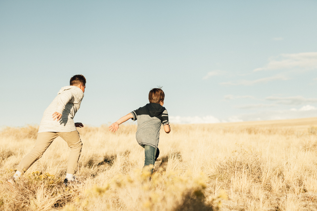 action-shot-brothers-antelope-island-salt-lake-city-utah-jen-fairchild