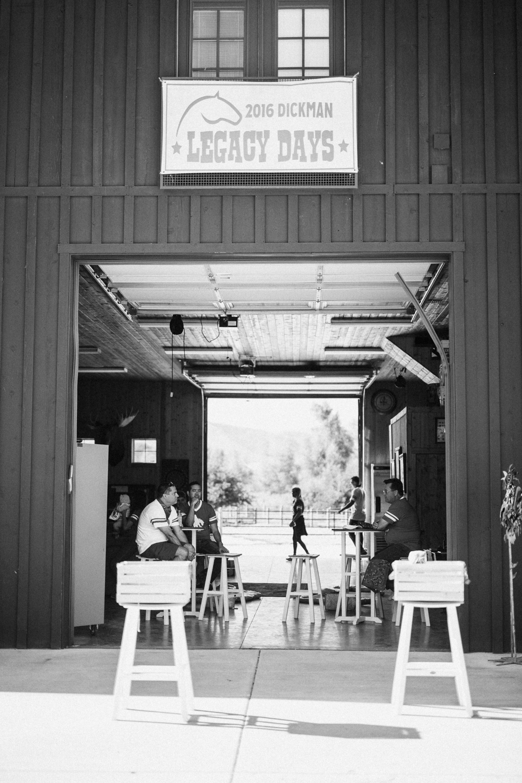 family-hanging-in-barn-at-legacy-days-2016-heber-utah