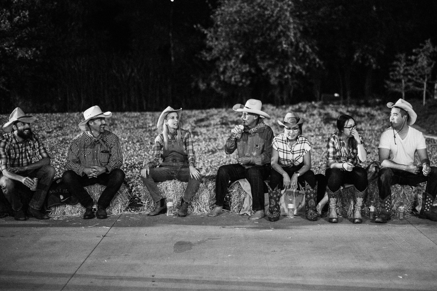 family-resting-after-line-dancing-at-legacy-ranch-heber-utah
