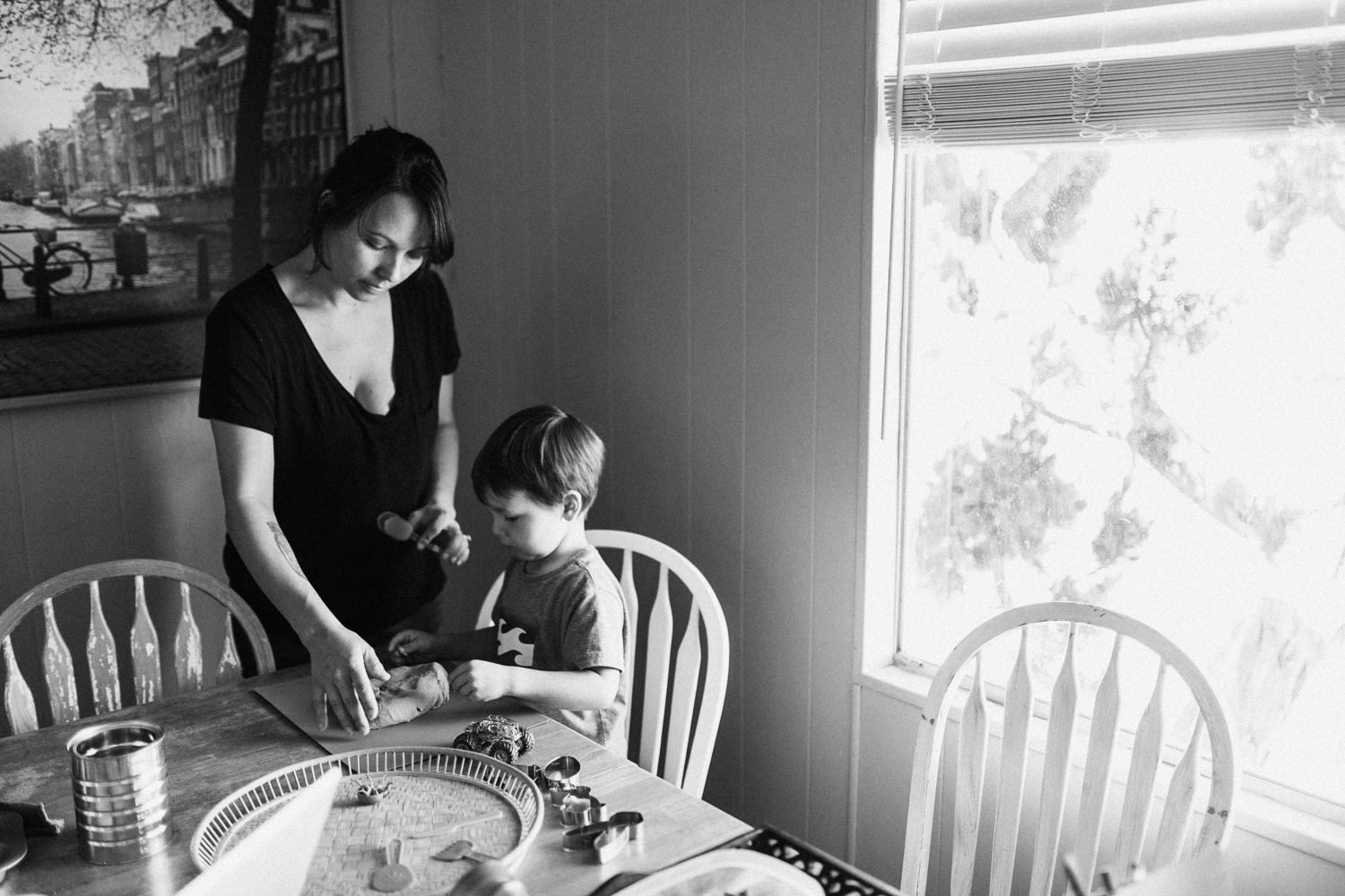 mother-and-son-playing-with-playdough-day-in-the-life-photo-session-san-diego-california