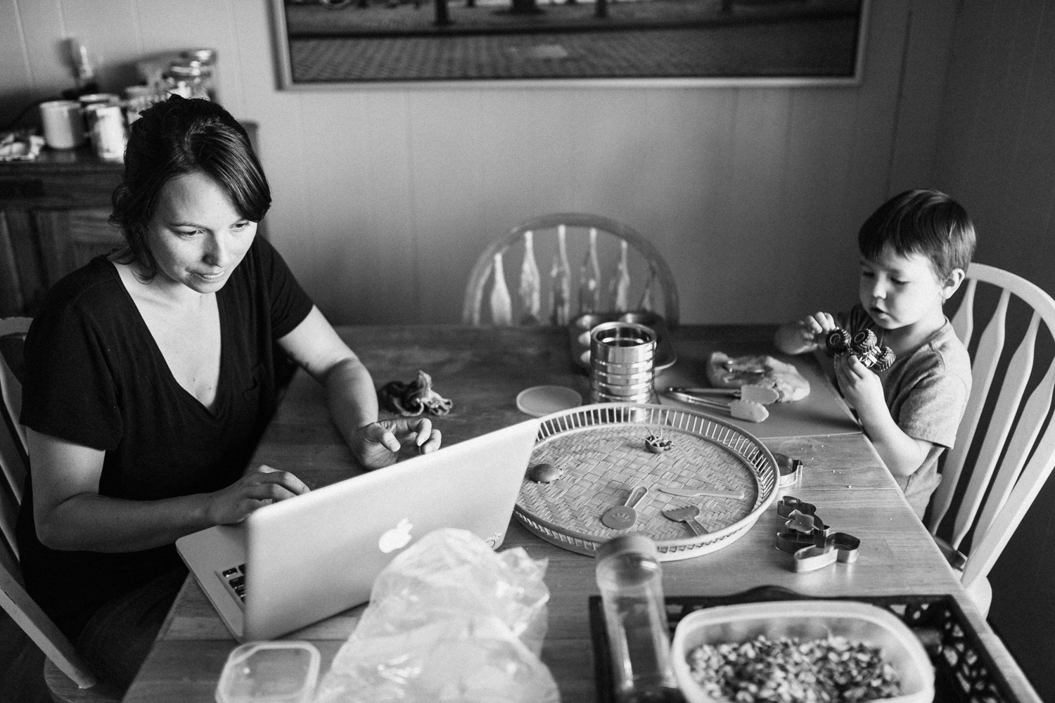 mom-and-son-at-kitchen-table-during-day-in-the-life-session-poway-ca
