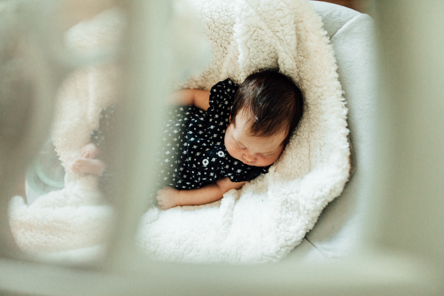 baby-girl-sleeping-at-home-lifestyle-photo-session-san-diego-california