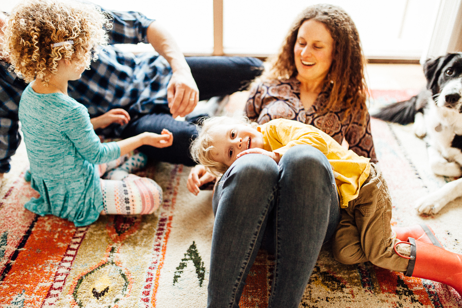 candid-photo-of-family-at-home-nyc