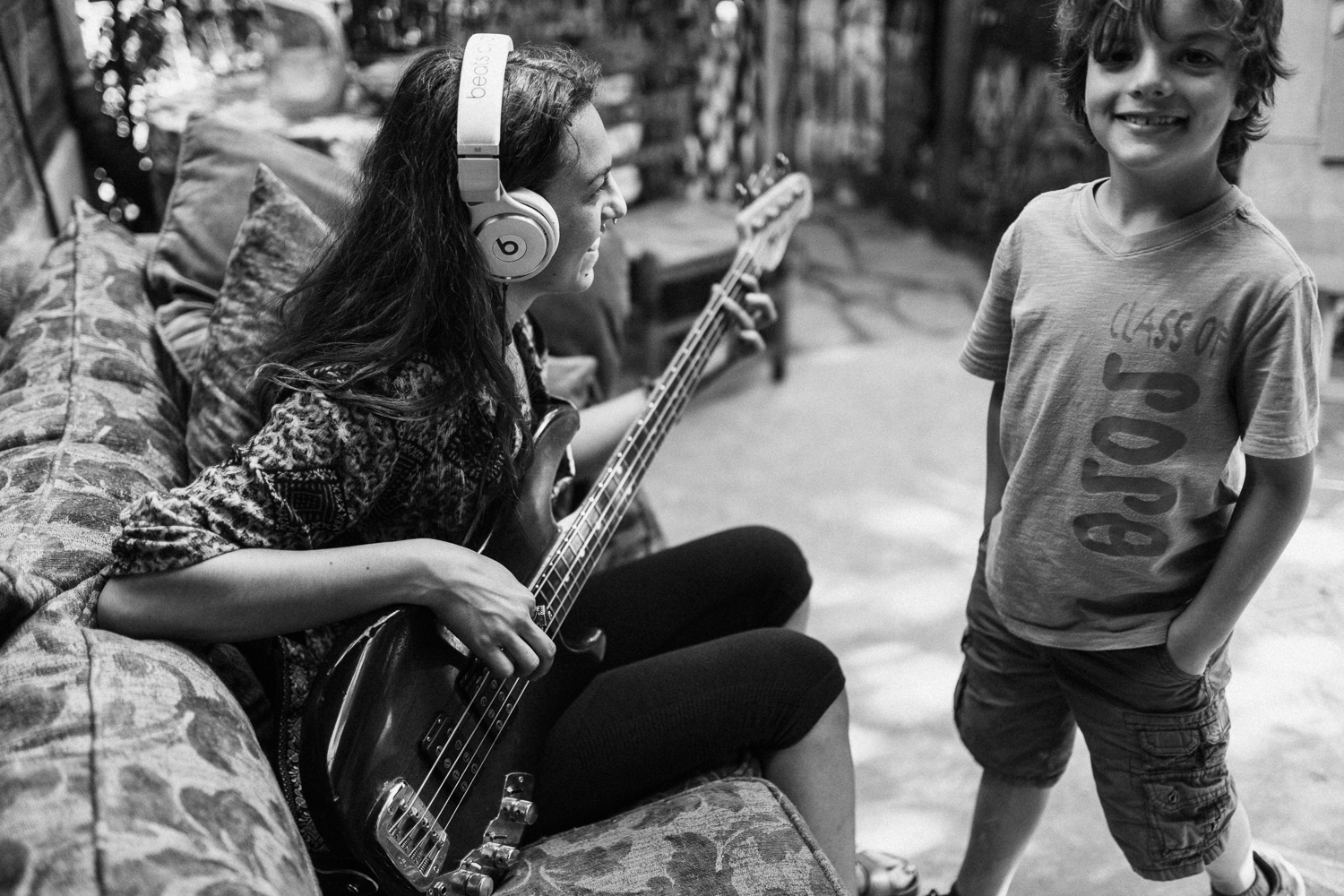 mother-and-son-playing-guitar-in-backyard-in-home-family-session-jen-fairchild-photgraphy-slc-utah