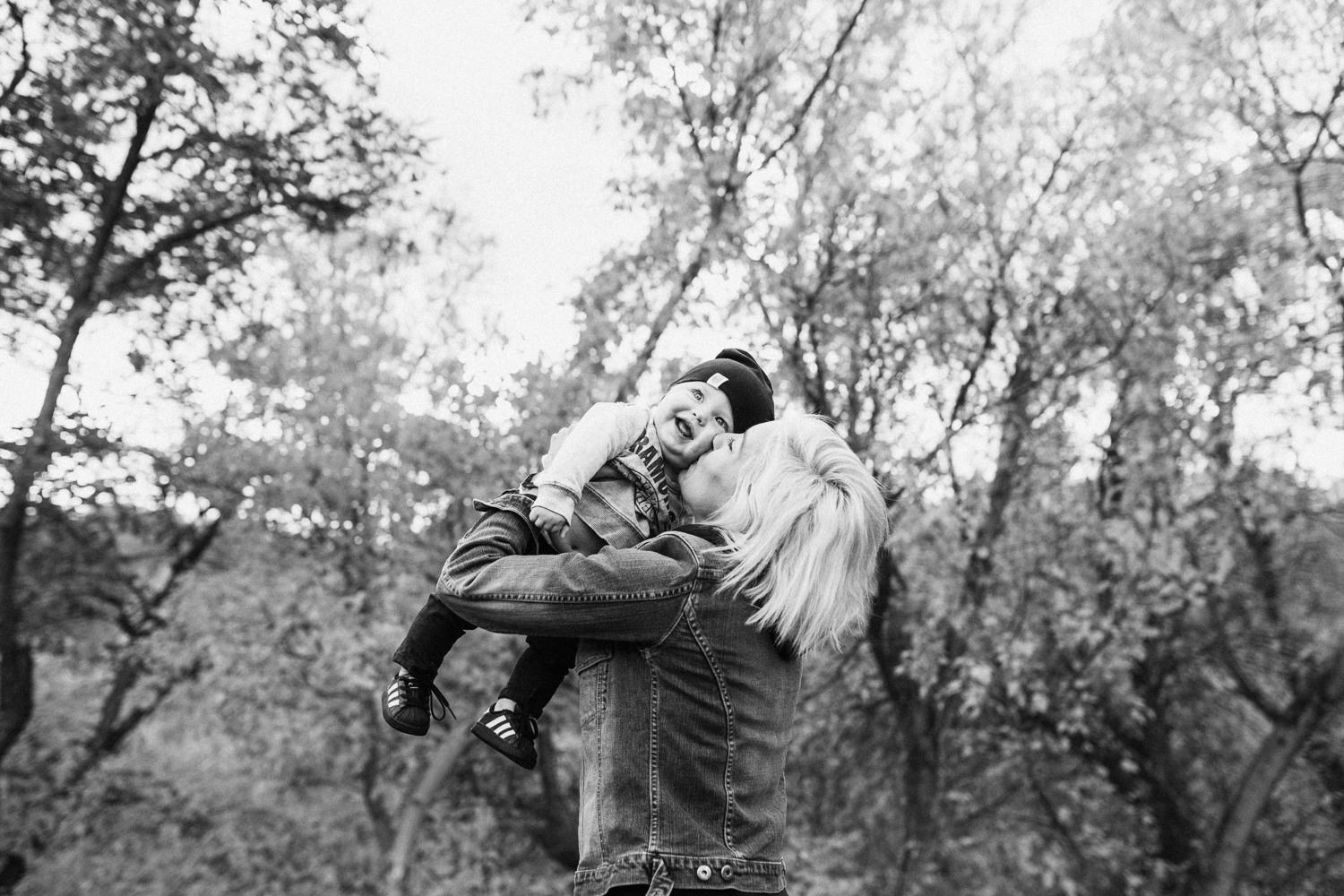 black-and-white-mother-and-son-with-jen-fairchild-photography-in-slc-ut