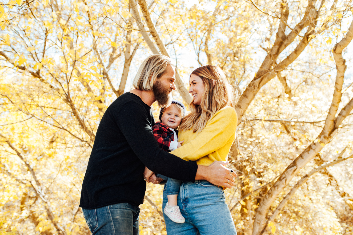 intimate-family-photo-in-fall-leaves-during-mini-photo-session-with-jen-fairchild-photography-slc-ut