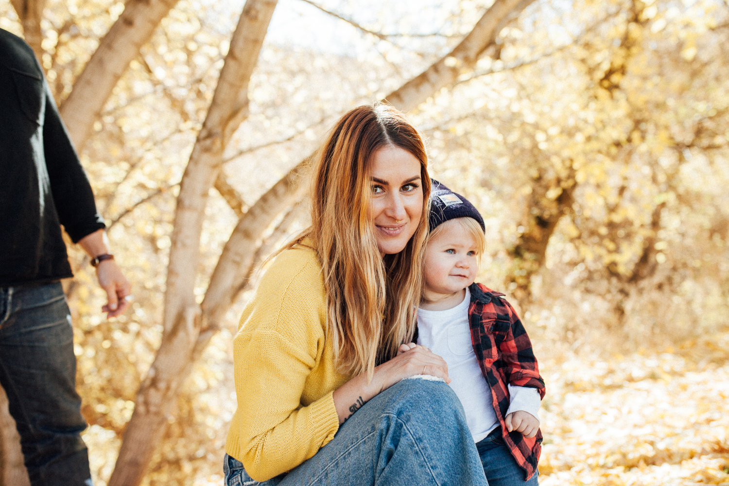 clean-and-natural-photo-of-mother-and-son-in-fall-leaves-with-jen-fairchild-photography-slc-utah