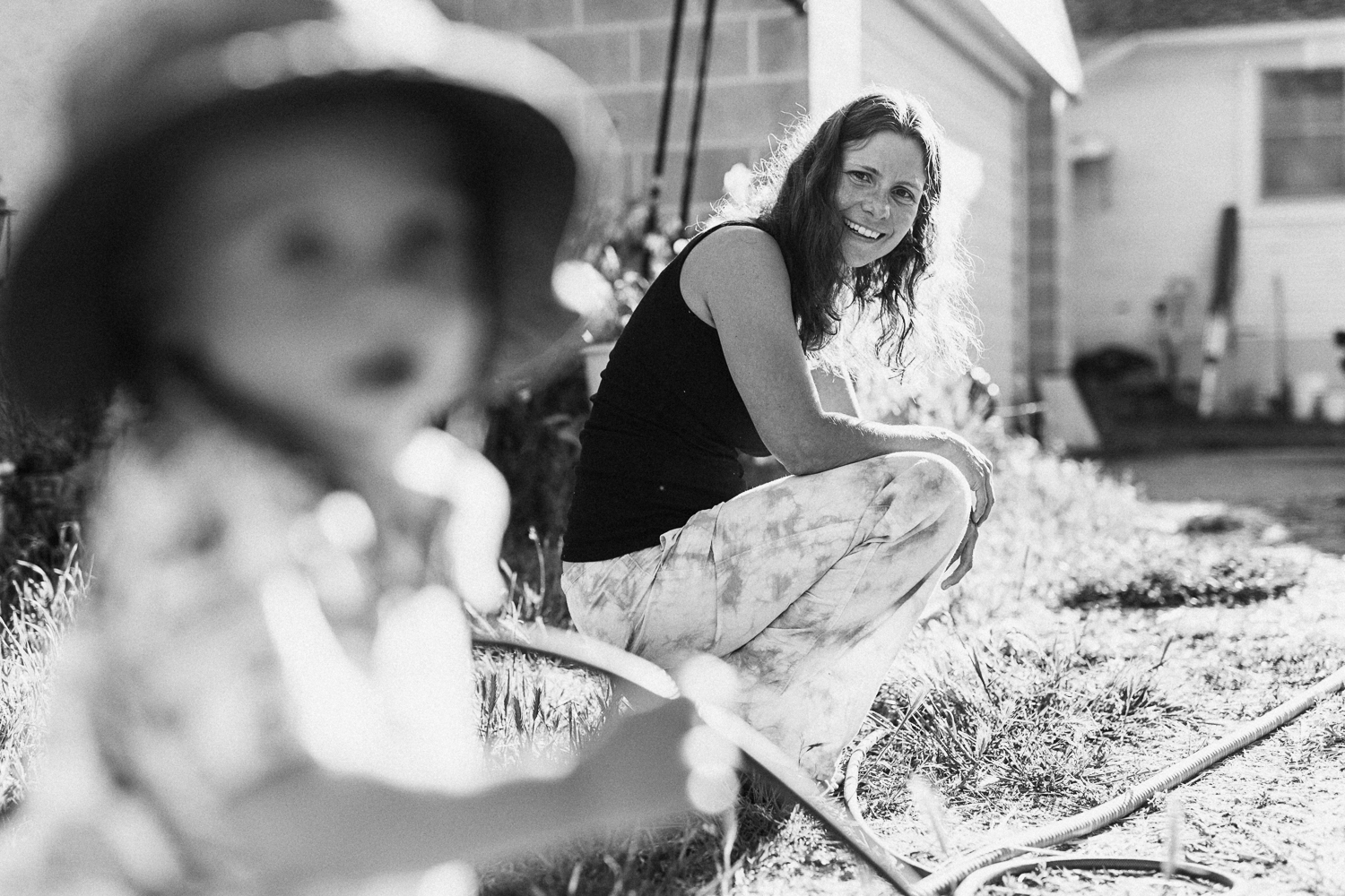 natural-and-artistic-black-and-white-happy-photo-mother-and-son-playing-outside-with-jen-fairchild-photography-holladay-utah