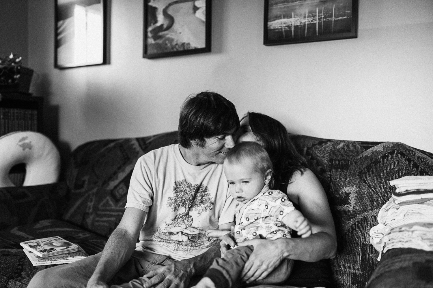 candid-black-and-white-family-photo-slc-utah