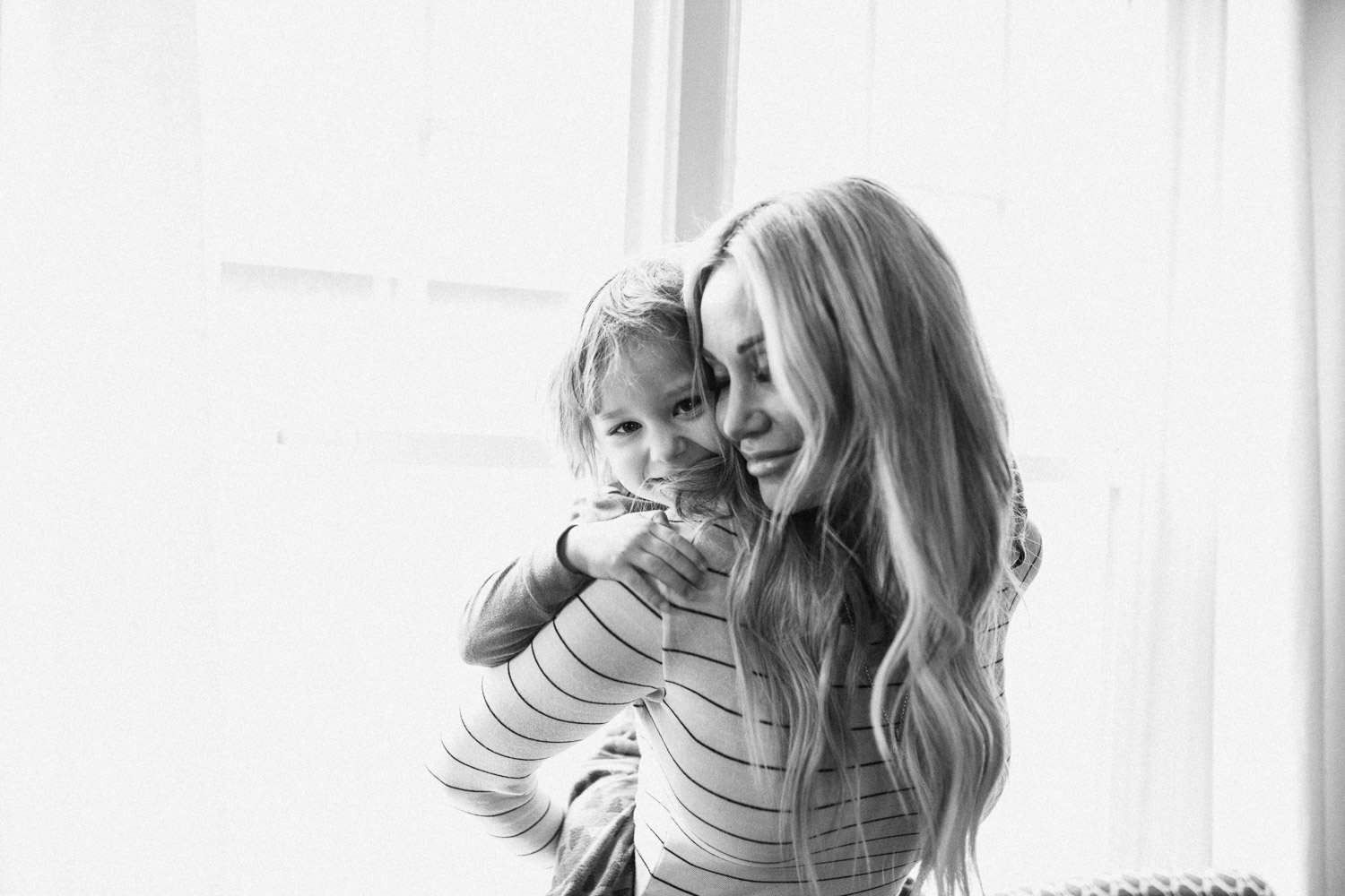 black-and-white-intimate-love-mother-and-son-slc-utah