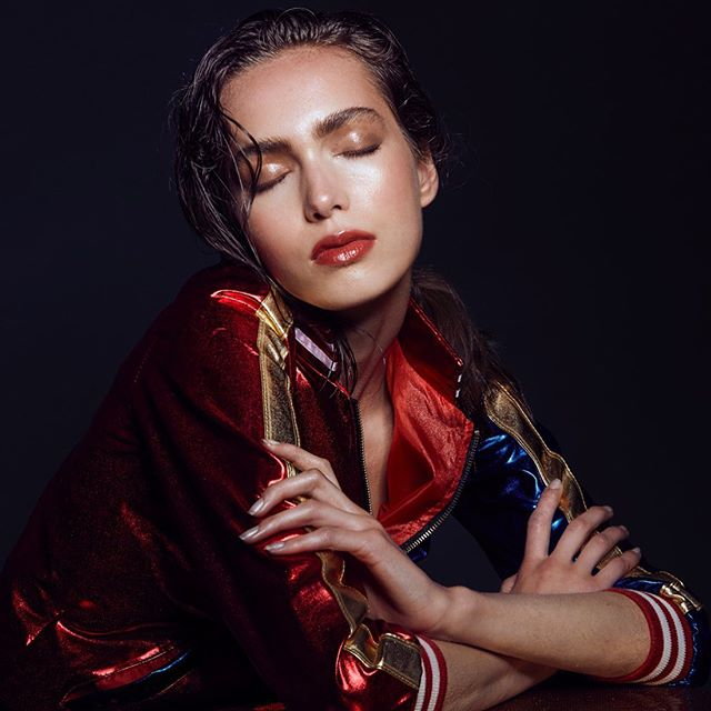 Stunning @stephanie8jackson ✨ Photographed by @kyrani #makeupandhair @sonialealserafim . . . #glassskin #glossyredlips #eyebrowgoals #wethairlook #beautyshoot #vancouvermakeupandhairartist