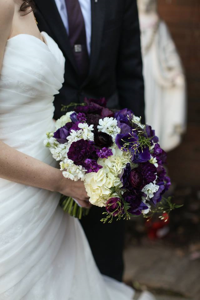 purple wedding flowers ranunculus
