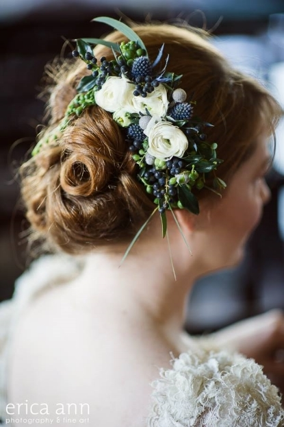 flowers for the hair floral comb botanical couture sophisticated floral designs portland oregon wedding florist