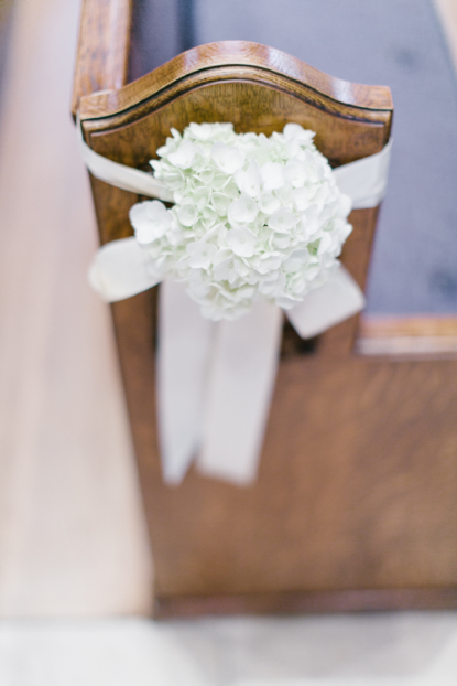 white portland wedding sophisticated floral designs