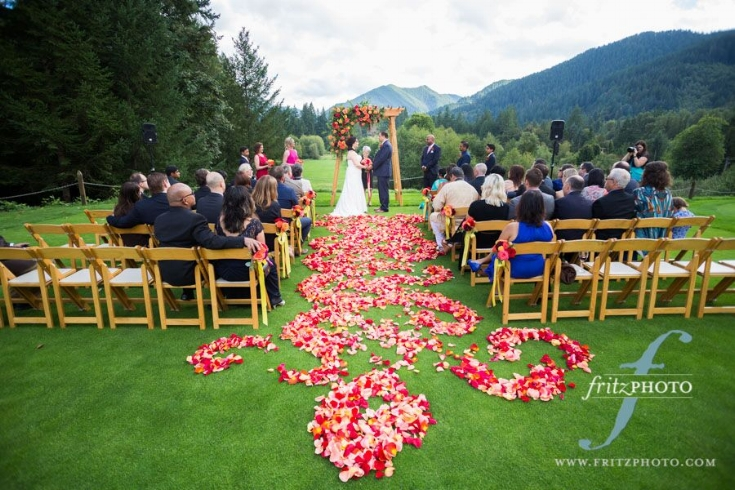 sophisticated floral designs portland oregon wedding flowers