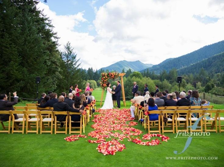 sophisticated floral designs portland oregon wedding flowers