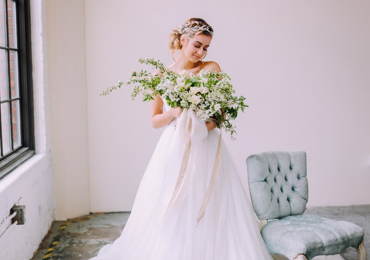 portland oregon bridal photography sophisticated floral designs bouquet