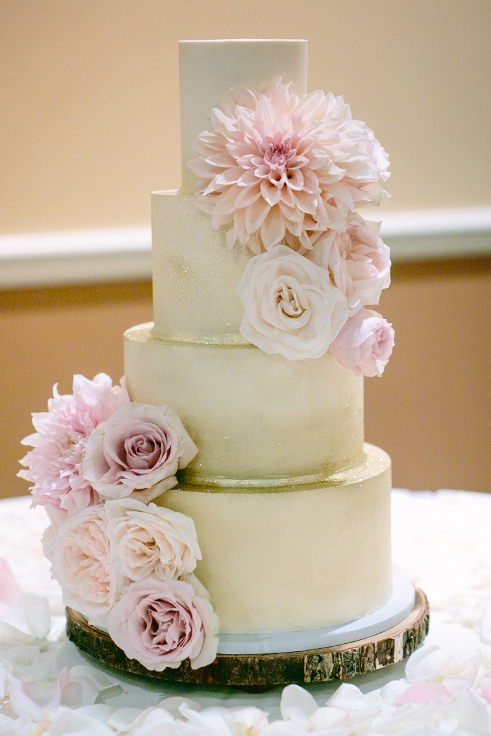 sophisticated floral designs portland oregon wedding florist kyras bakeshop wedding cake