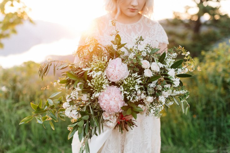 columbia river gorge wedding photography sophisticated floral designs portland