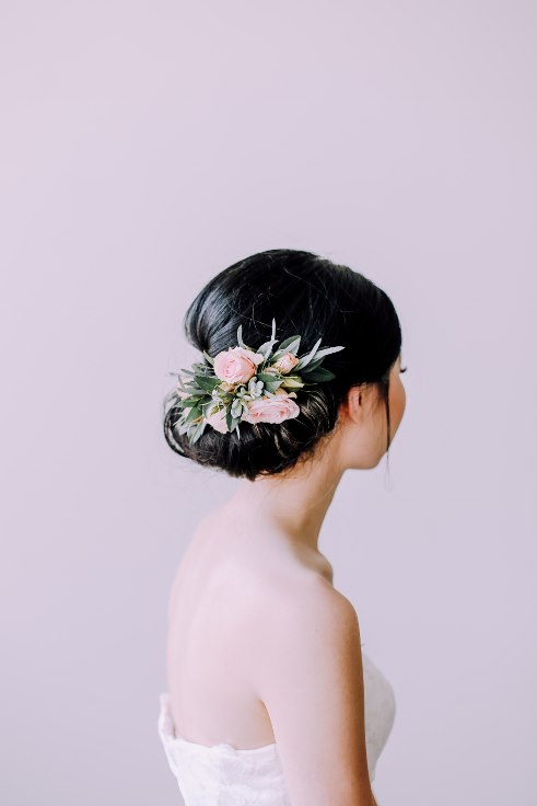 sophisticated floral designs portland wedding florist bridal hair flowers floral comb clip