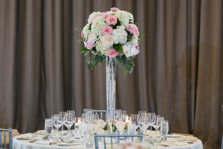 sophisticated floral designs portland oregon wedding florist Nines Hotel classic wedding flowers centerpiece