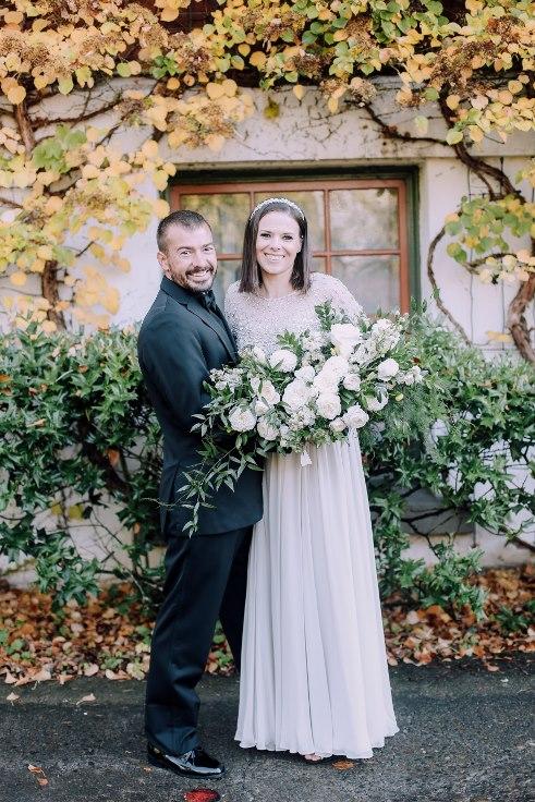 sophisticated floral designs portland oregon wedding florist mcmenamins edgefield spotted stills photography (20) (491x736).jpg