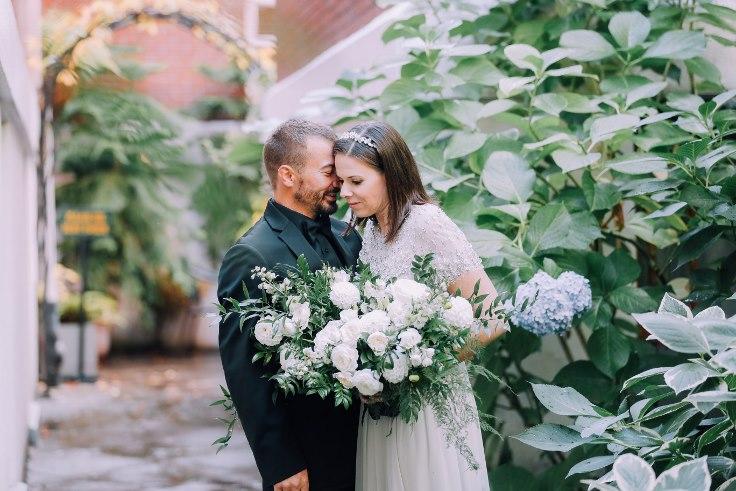 sophisticated floral designs portland oregon wedding florist mcmenamins edgefield spotted stills photography (25) (736x491).jpg