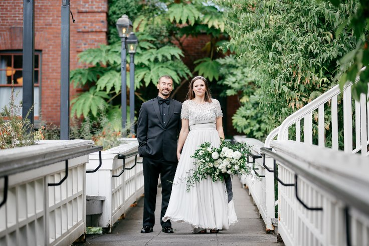 sophisticated floral designs portland oregon wedding florist mcmenamins edgefield spotted stills photography (30) (736x491).jpg