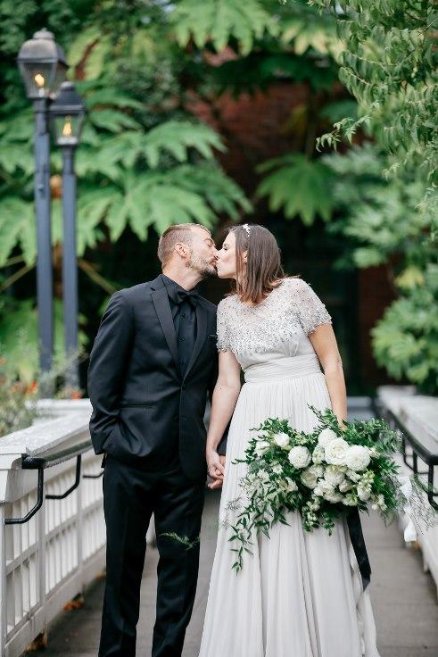 sophisticated floral designs portland oregon wedding florist mcmenamins edgefield spotted stills photography (31) (491x736).jpg