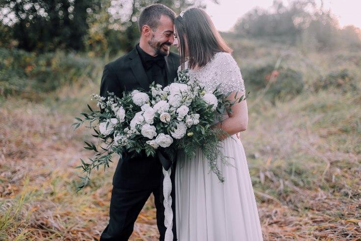 sophisticated floral designs portland oregon wedding florist mcmenamins edgefield spotted stills photography large white bridal bouquet