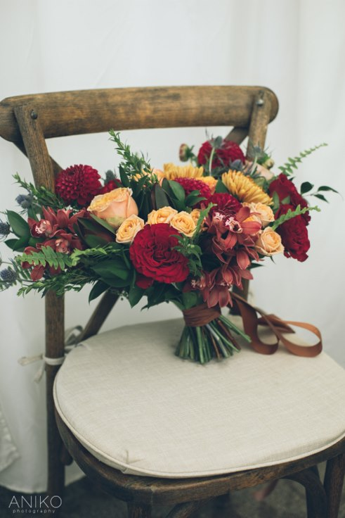 sophisticated floral designs portland oregon wedding florist oregon golf club aniko productions fall bridal bouquet burgundy gold copper navy