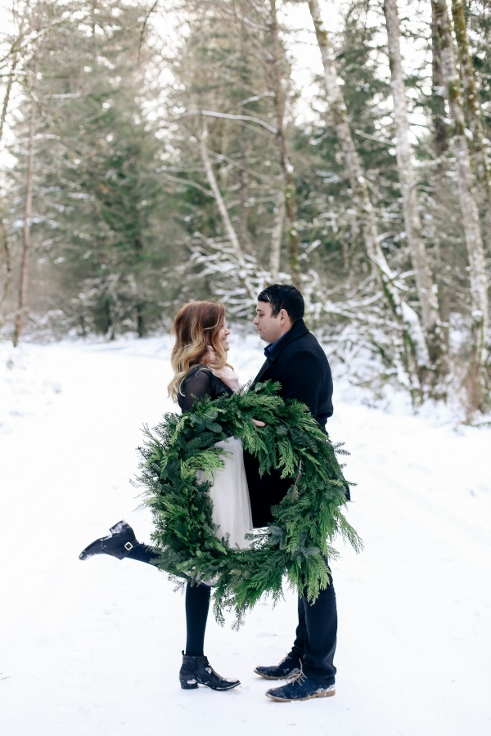 sophsiticated floral designs portland oregon wedding florist spotted stills photogrpahy winter wreath engagement (3).jpg