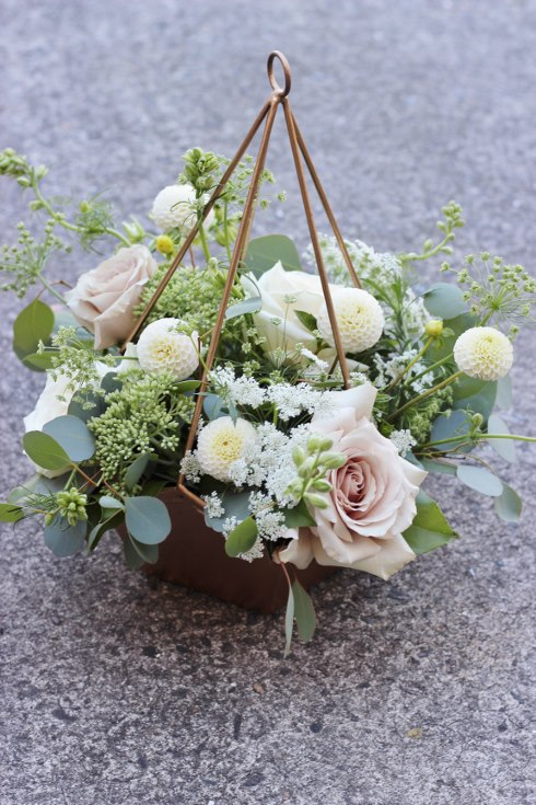 sophisticated floral desigs portland oregon wedding florist blush wedding flowers geometic centerpiece