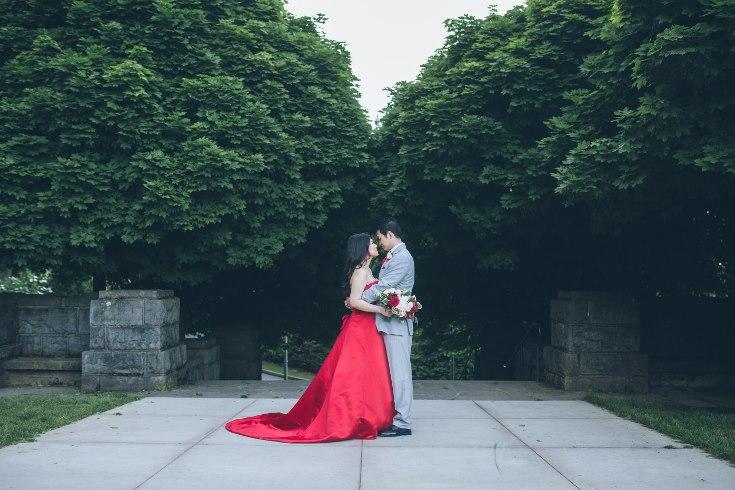 sophisticated floral designs portland oregon wedding florist aniko productions photography red bridal dress (16) (735x490).jpg