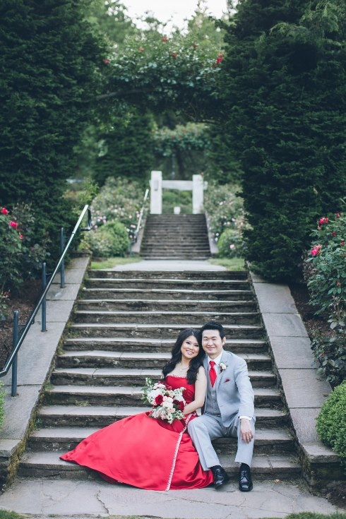 sophisticated floral designs portland oregon wedding florist aniko productions photography red bridal dress (11) (490x735).jpg