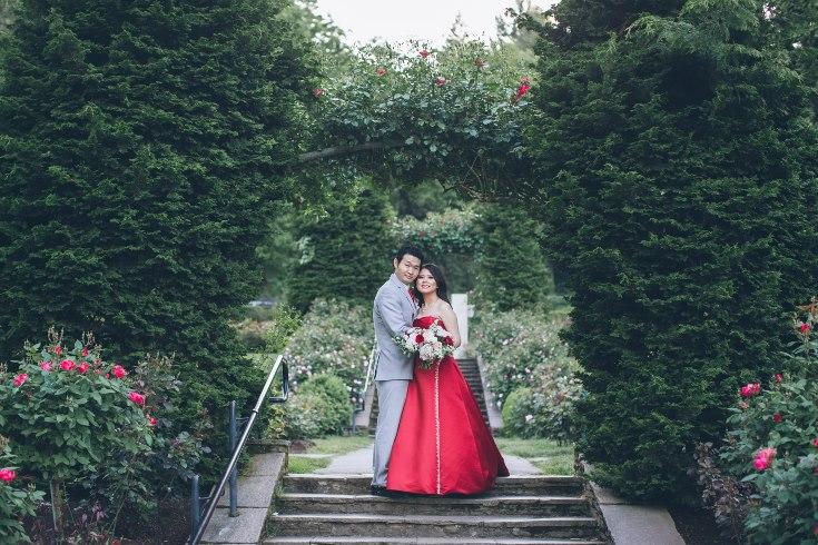 sophisticated floral designs portland oregon wedding florist aniko productions photography red bridal dress (5) (735x490).jpg