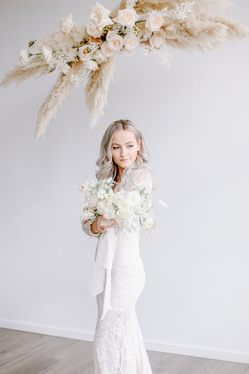 sophisticated floral designs portland oregon wedding florist spotted still photography boho modern fine art pampas  grass bleached flowers (20) (490x735).jpg