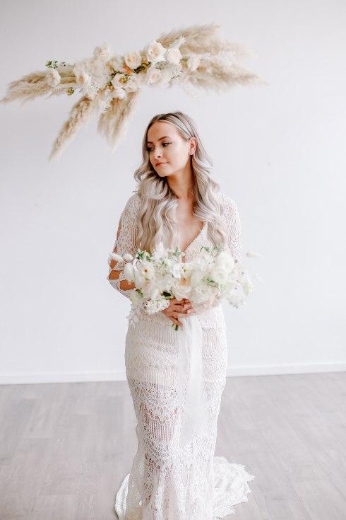 sophisticated floral designs portland oregon wedding florist spotted still photography boho modern fine art pampas  grass bleached flowers (23) (490x735).jpg