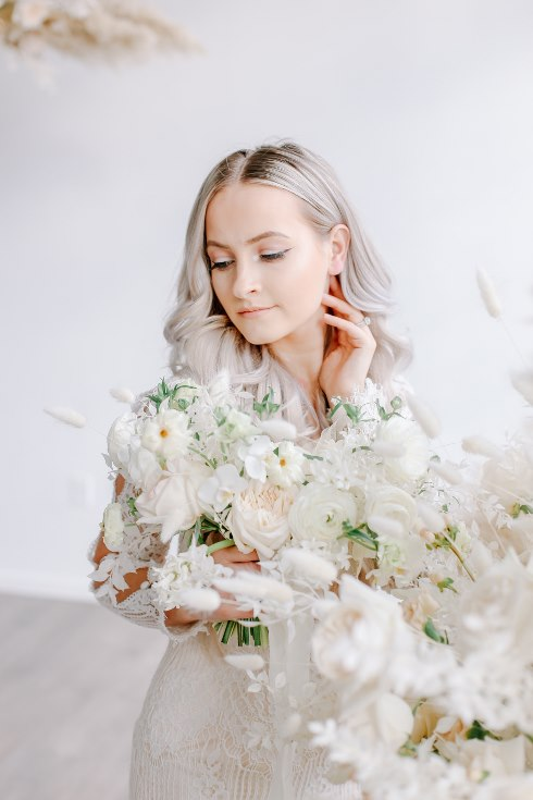 sophisticated floral designs portland oregon wedding florist spotted still photography boho modern fine art pampas  grass bleached flowers (69) (490x735).jpg