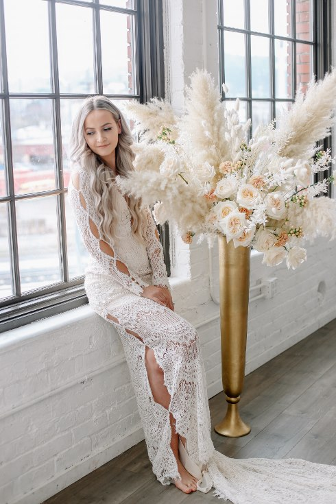 sophisticated floral designs portland oregon wedding florist spotted still photography boho modern fine art pampas  grass bleached flowers (83) (490x735).jpg