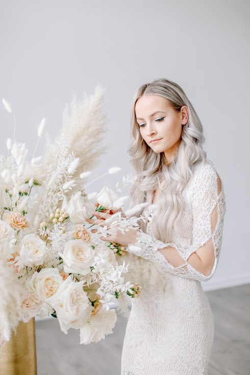 sophisticated floral designs portland oregon wedding florist spotted still photography boho modern fine art pampas  grass bleached flowers (88) (490x735).jpg