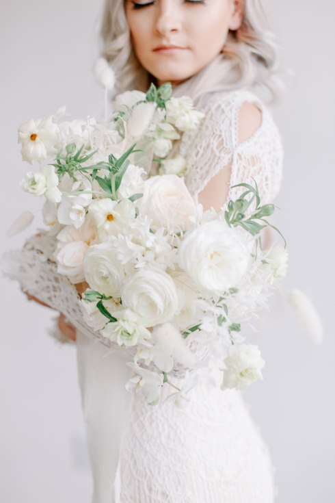 sophisticated floral designs portland oregon wedding florist spotted still photography boho modern fine art pampas  grass bleached flowers (117) (490x735).jpg