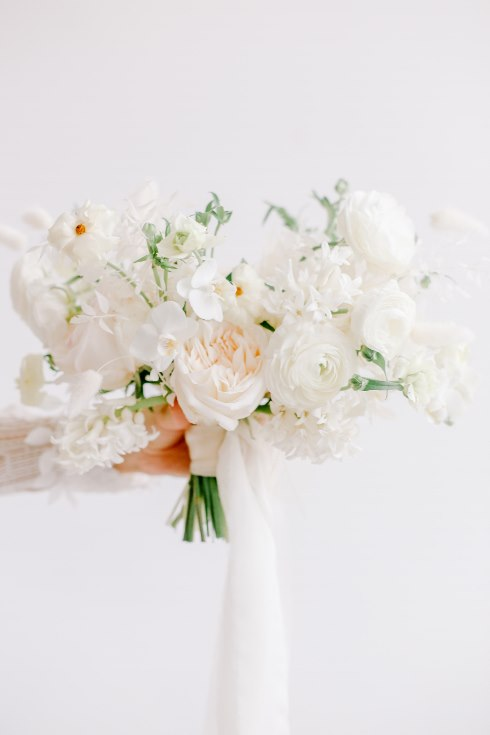 sophisticated floral designs portland oregon wedding florist spotted still photography boho modern fine art pampas  grass bleached flowers (125) (490x735).jpg