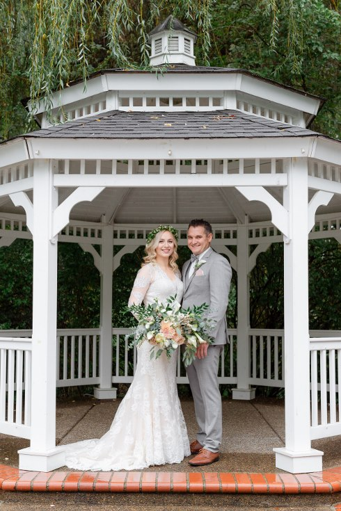 sophisticated floral designs portland oregon wedding florist abernethy center falcusan photography (13) (490x735).jpg
