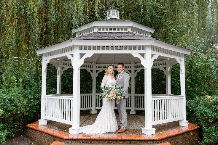 sophisticated floral designs portland oregon wedding florist abernethy center falcusan photography (14) (735x490).jpg