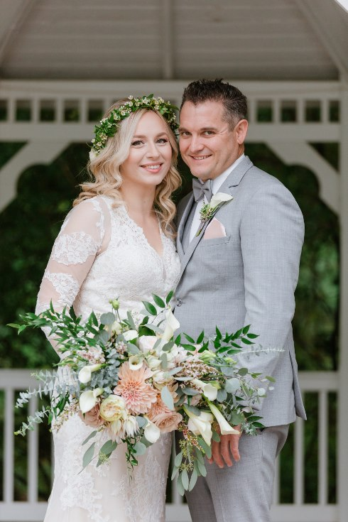 sophisticated floral designs portland oregon wedding florist abernethy center falcusan photography (15) (490x735).jpg
