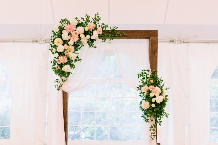 sophisticated floral designs portland oregon wedding florist abernethy center falcusan photography (30) (735x490).jpg