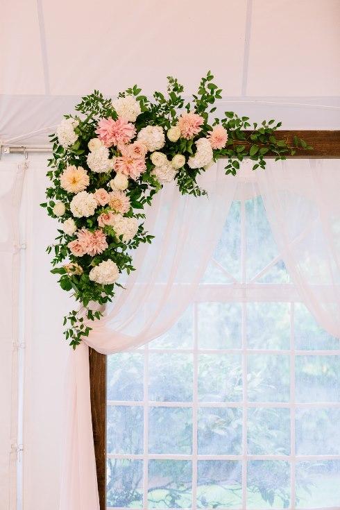 sophisticated floral designs portland oregon wedding florist abernethy center falcusan photography (32) (490x735).jpg