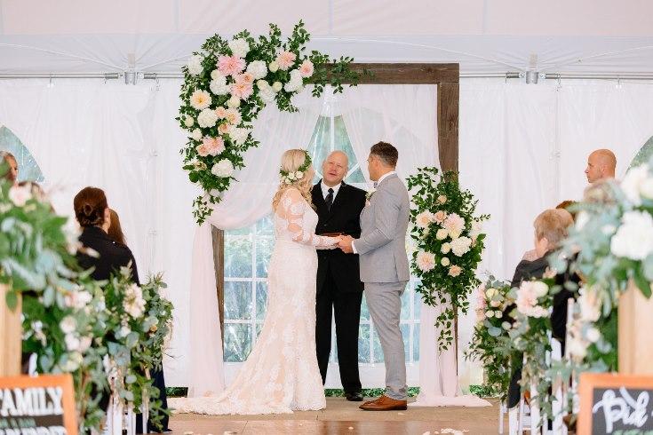 sophisticated floral designs portland oregon wedding florist abernethy center falcusan photography (46) (735x490).jpg